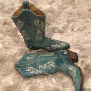 Turquoise cowgirl boots. Size 7 1/2